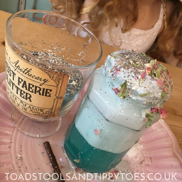 What fairy spell will you cast as you make these Fizzy Fairy Potions.